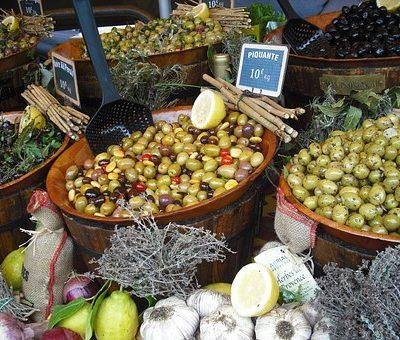 senteurs provence specialites gourmandises forcalquier marché souvenirs decouverte